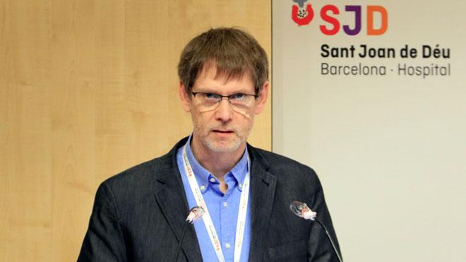 El Hospital Sant Joan de Déu confirma que los niños se infectan de coronavirus igual que los adultos, como explica Juanjo García, jefe de Pediatría del hospital.