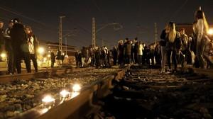 Corte de las vías de tren a su paso por Montcada, este jueves.