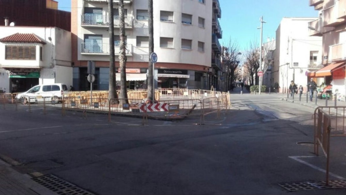 Les obres de remodelacióde la plaça de les Palmeres de Viladecans duraran uns vuit mesos.