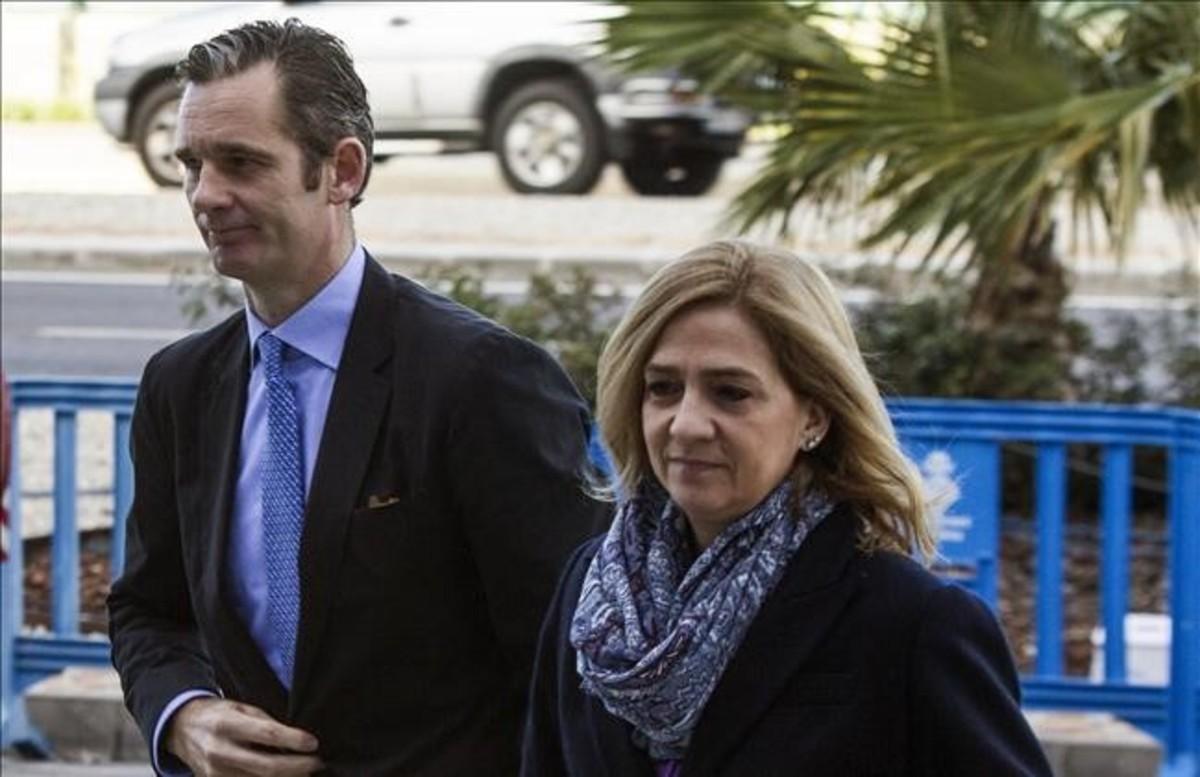 Iñaki Urdangarin y la infanta Cristina, llegando a los juzgados de Palma para una de las sesiones del juicio del 'caso Nóos'.
