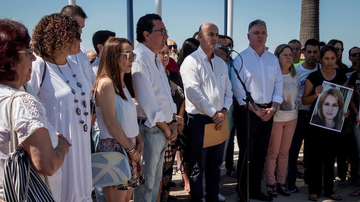 Concentracion celebrada en memoria de Cristina Marín, asesinadaa los24 años en Lepe, presuntamentepor su expareja.