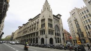 Antigua sede central del embriónde La Caixa, en la confluencia de Via Laietana con Jonqueres.