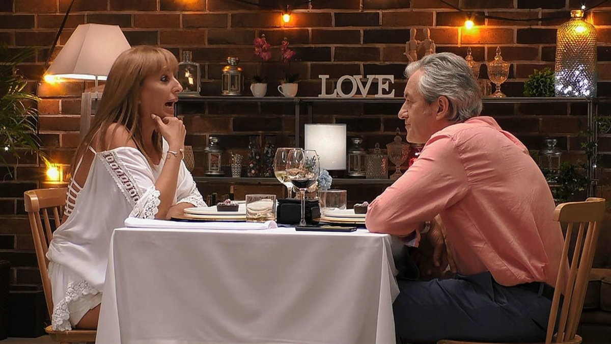 Julia y Joaquín en 'First Dates'.