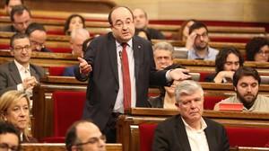 El líder del PSC, Miquel Iceta, interviene en unasesión de control al Govern.