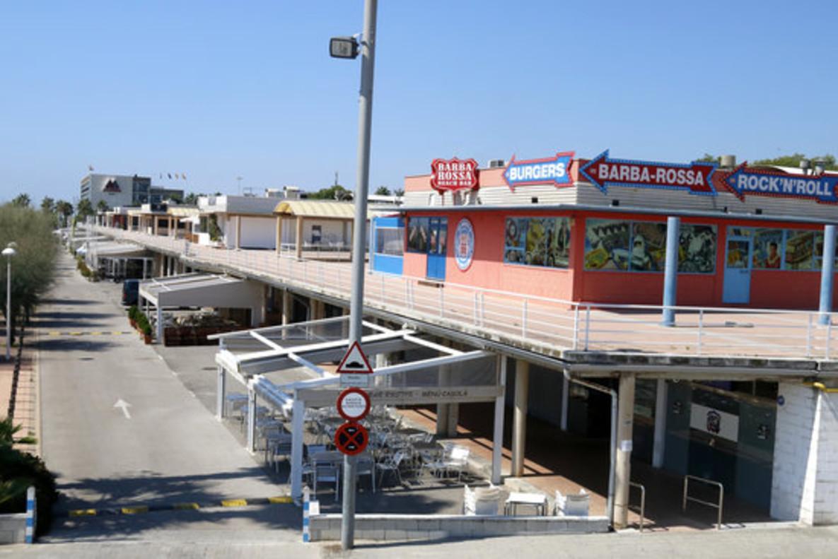 Locales de la zona comercial del Puerto de Mataró.