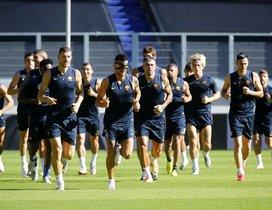 Los jugadores de la Roma, durante un entreno, este miércoles en Alemania.