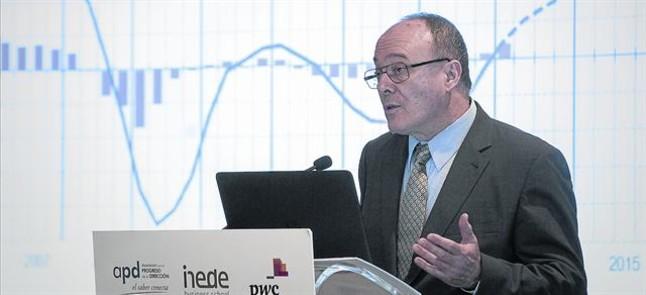 El gobernador del Banco de España, Luis María Linde, en una conferencia el pasado mes de junio.