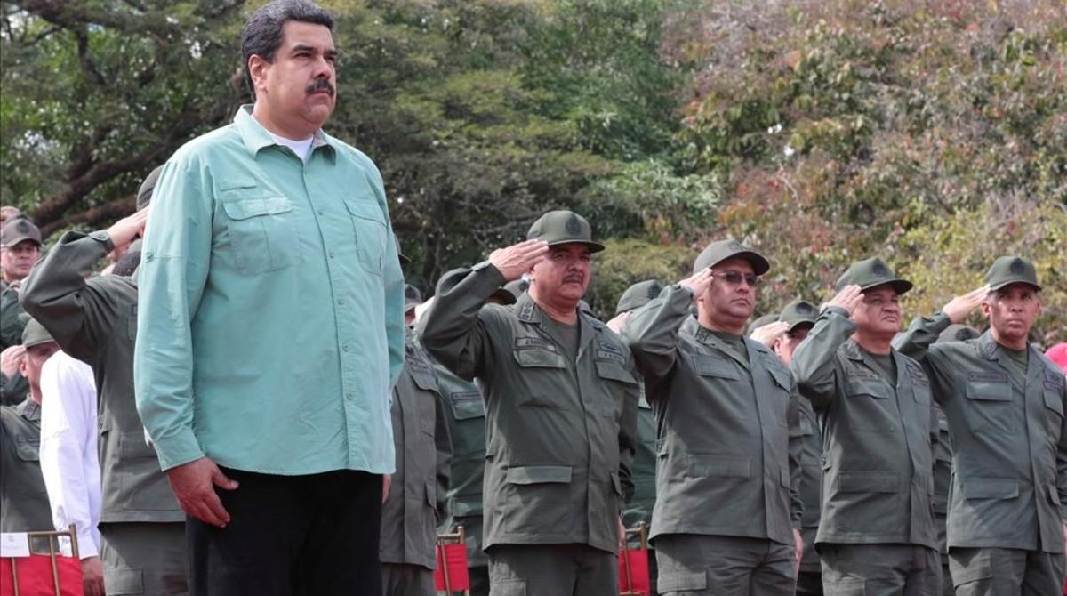 Venezuela advierte de su poder ofensivo a causantes de muerte de militares.