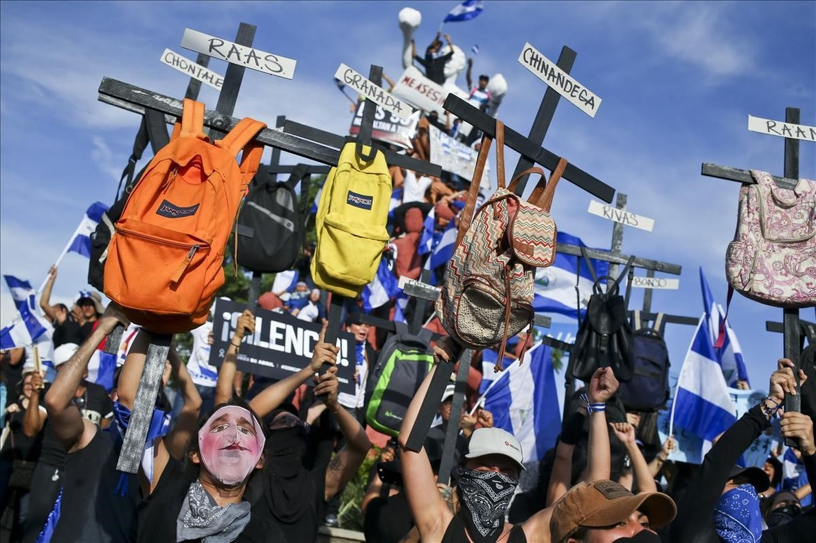 La soledad de Daniel Ortega y 'La Chayo' Murillo