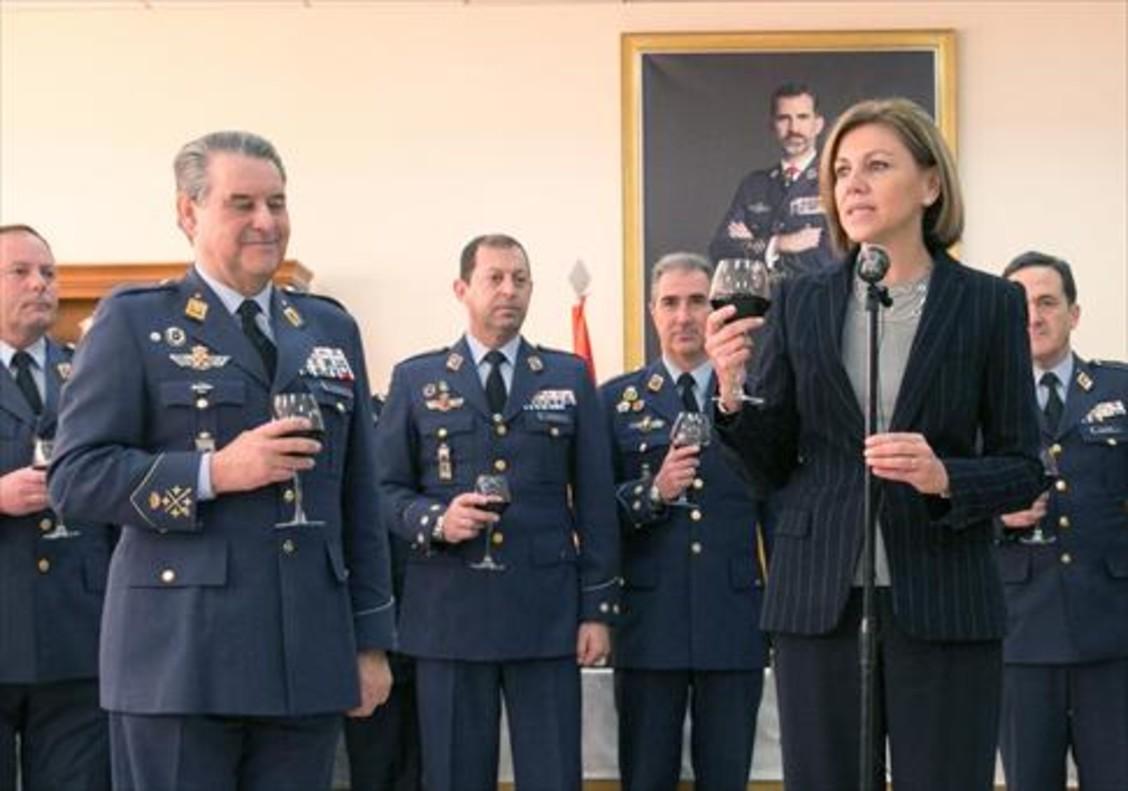 María Dolores de Cospedal, en una visita al Ejército del Aire en Zaragoza, el pasado día 19 de enero.
