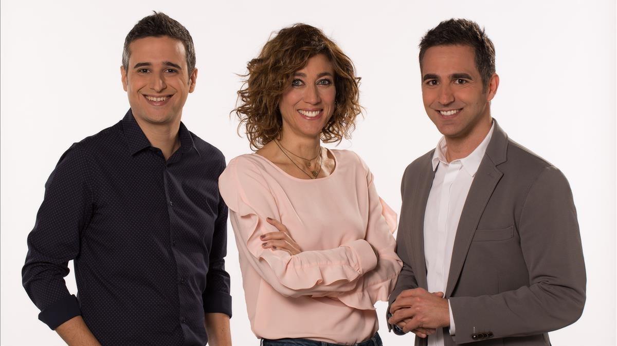 Lluís Marquina,Helena Garcia Melero yFrancesc Sòria,presentadores de Tot es mou.
