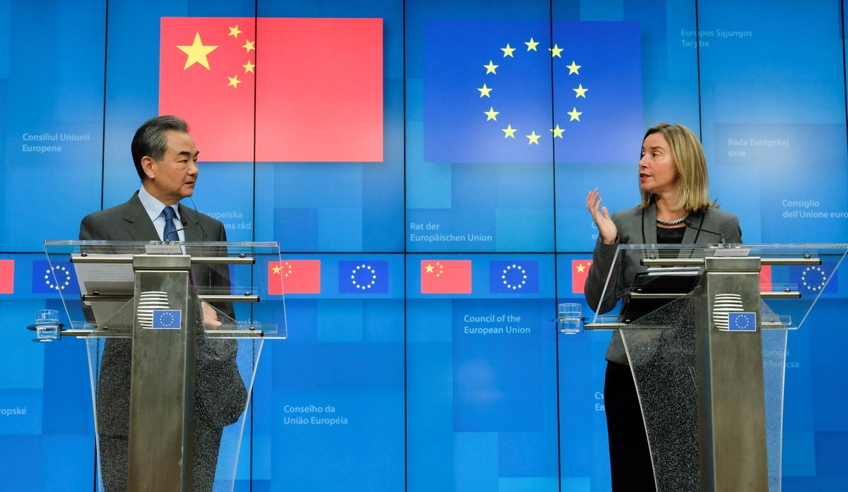 BR01. BRUSELAS (BÉLGICA), 18/03/2019.- El ministro de Exteriores chino, Wang Yi (izq), y la jefa de la diplomacia europea, Federica Mogherini, dan una rueda de prensa tras participar en la reunión estratégica de alto nivel UE-China este lunes en Bruselas (Bélgica). EFE/ Olivier Hoslet