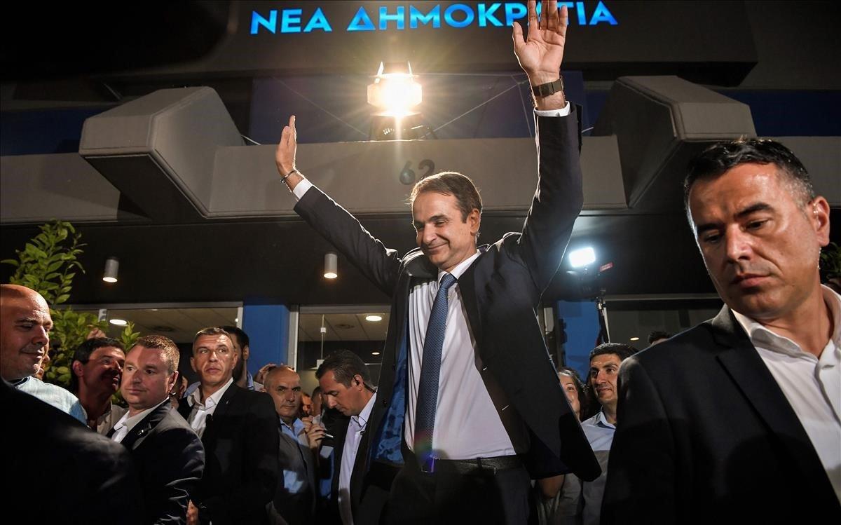 Mitsotakis celebra su mayoría absoluta en las elecciones griegas.