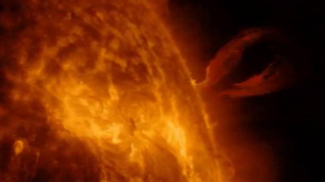 Imágenes de la erupción solar captada por la NASA este pasado domingo.