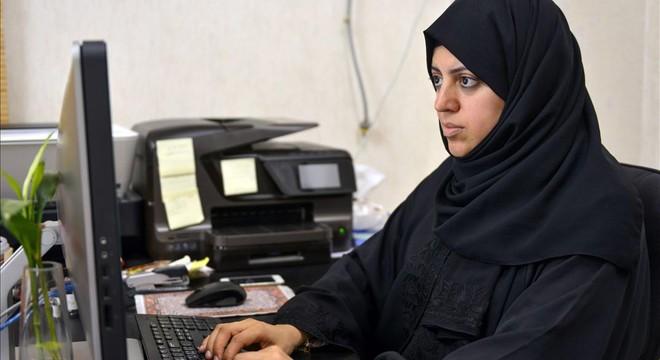 Las mujeres saudís se preparan para las primeras elecciones en que se les permite participar