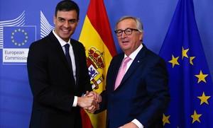 Pedro Sánchez y Jean-Claude Juncker, en un encuentro en junio del 2018.
