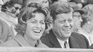 El presidente John Fitzgerald Kenney y su hermana Jean, en 1961.