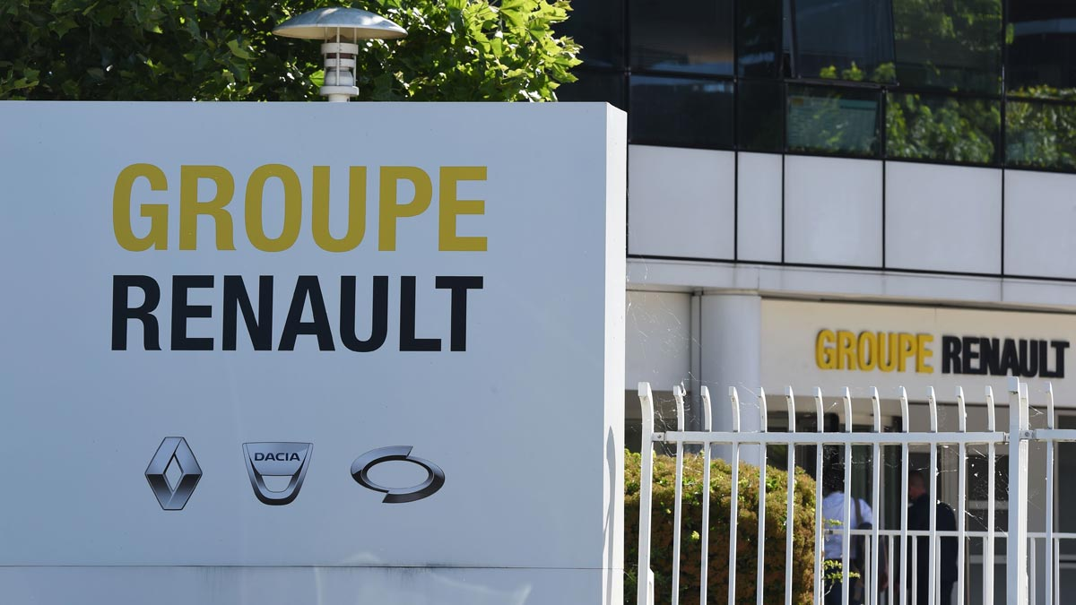 Renault will cut 15,000 jobs worldwide. In the photo, a group headquarters in France.