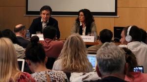 Àlex Ramos y Miriam Tey, vicepresidentes de Societat Civil Catalana, en la rueda de prensa sobrela manifestación del próximo domingo.