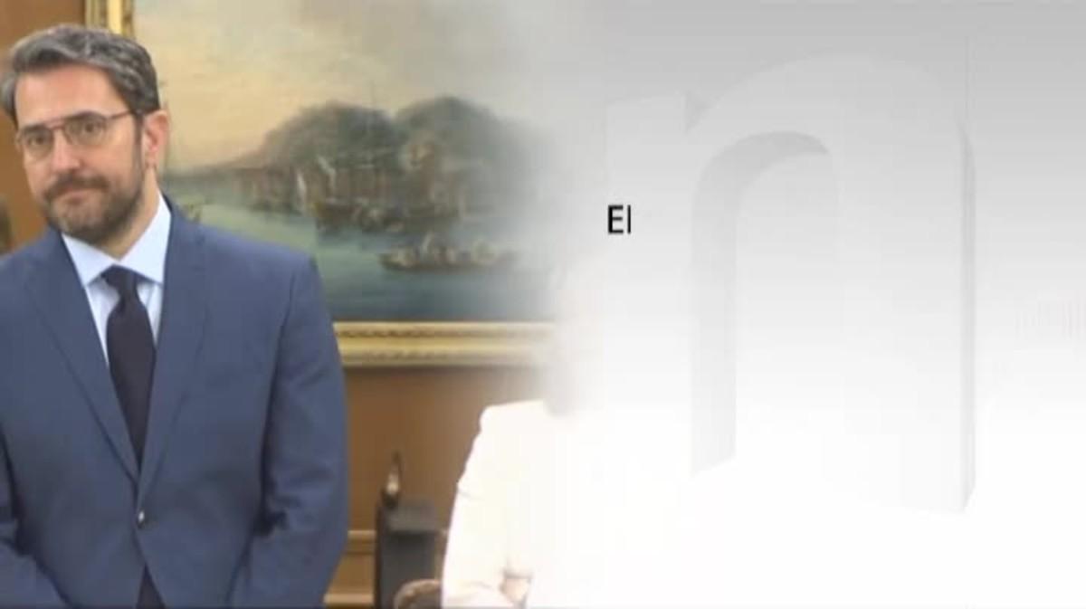 Sánchez respalda de momento a su ministro de cultura.