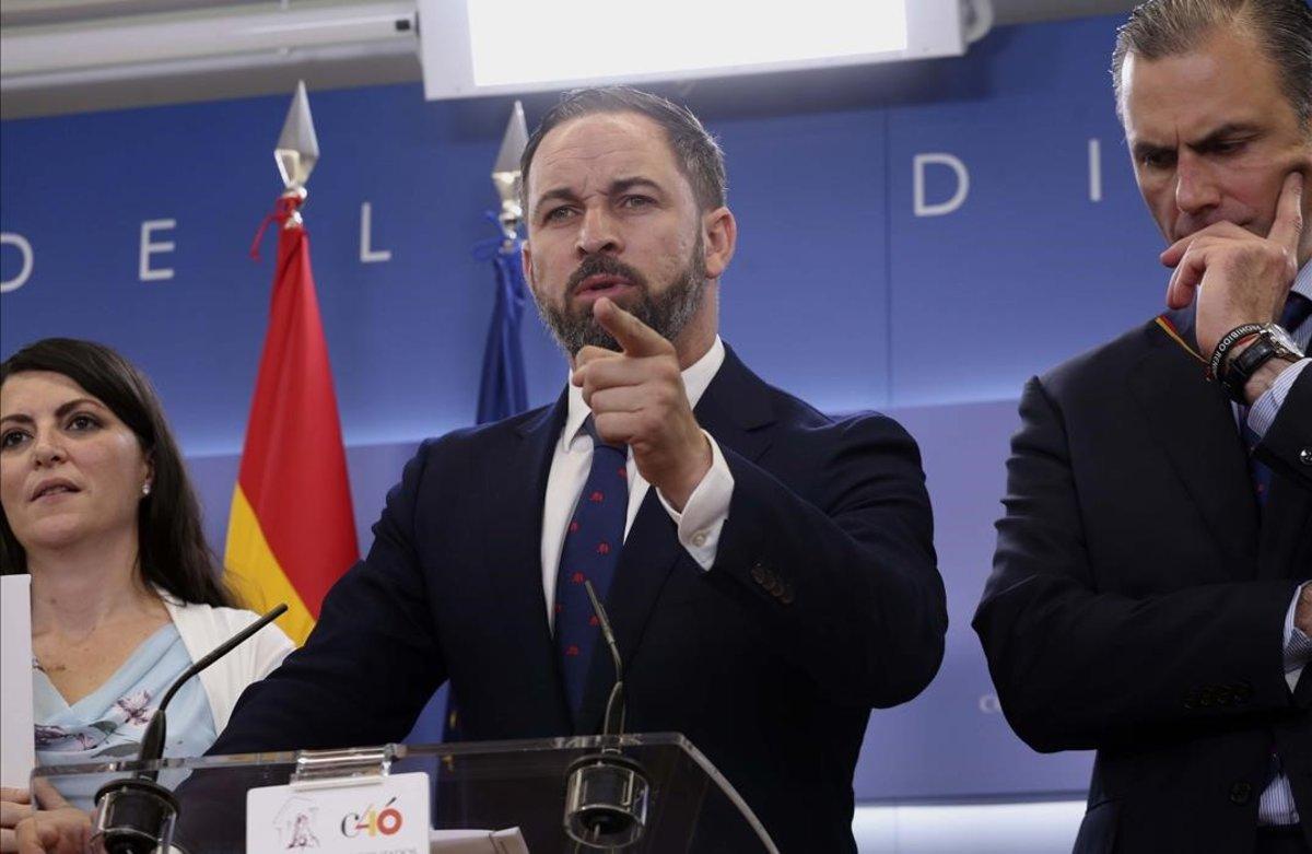 Santiago Abascal, en unarueda de prensa de Vox en el Congreso de los Diputados.