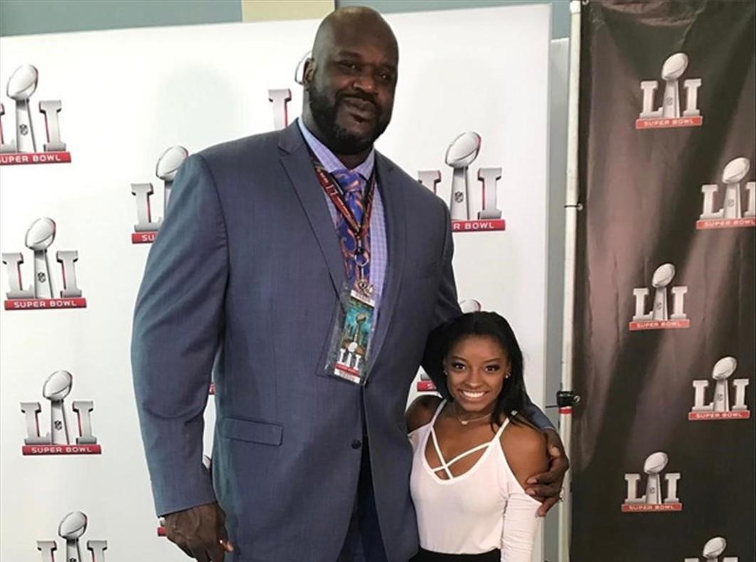 Shaquille ONeal y Simone Biles, en la Super Bowl.