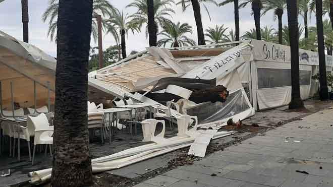 Els bombers atenen 344 avisos per les intenses pluges caigudes a Catalunya