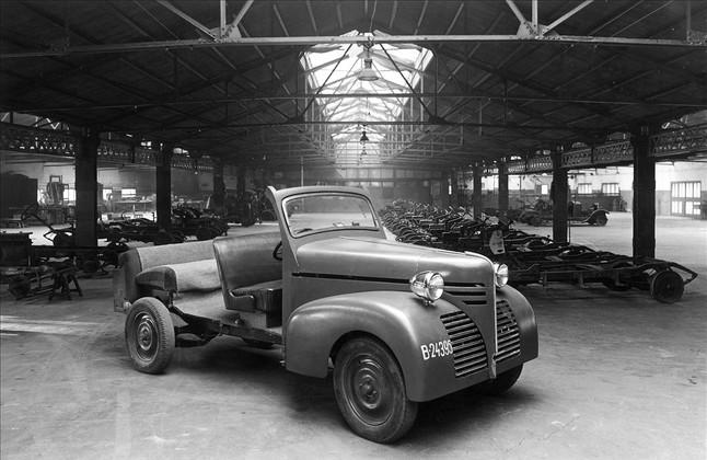 El taller de l'edifici David, on reparaven la seva flota de taxis al carrer Aribau.