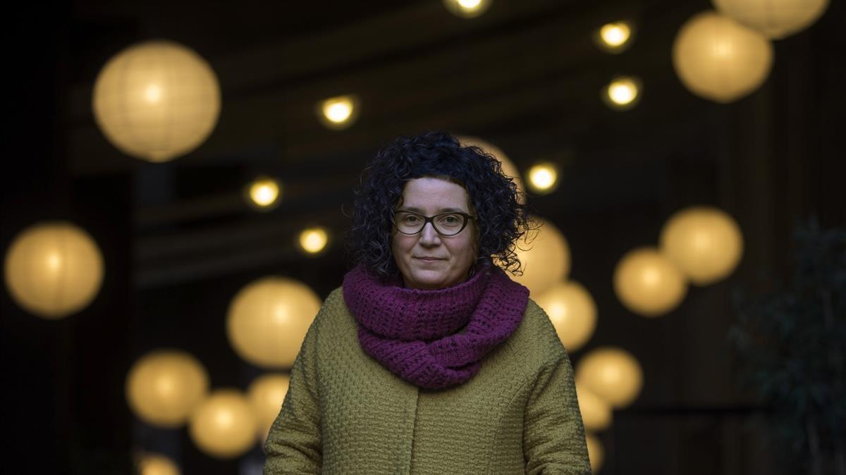 Tina Vallès, cuando ganó el Premi Llibres Anagrama por La memòria de larbre.