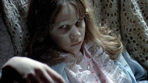 Ni feu cas a les famoses, quan dones a llum et converteixes en la nena de 'L'exorcista'