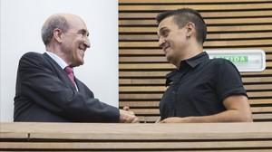 El senador de Compromís, Carles Mulet (a la derecha), junto al de Ciudadanos, Luis Crisol (a la izquierda).