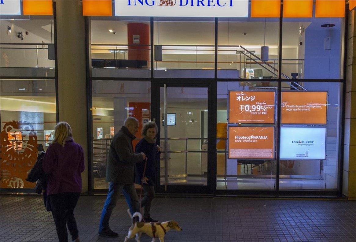 La banca mira de convertir els estalviadors en inversors