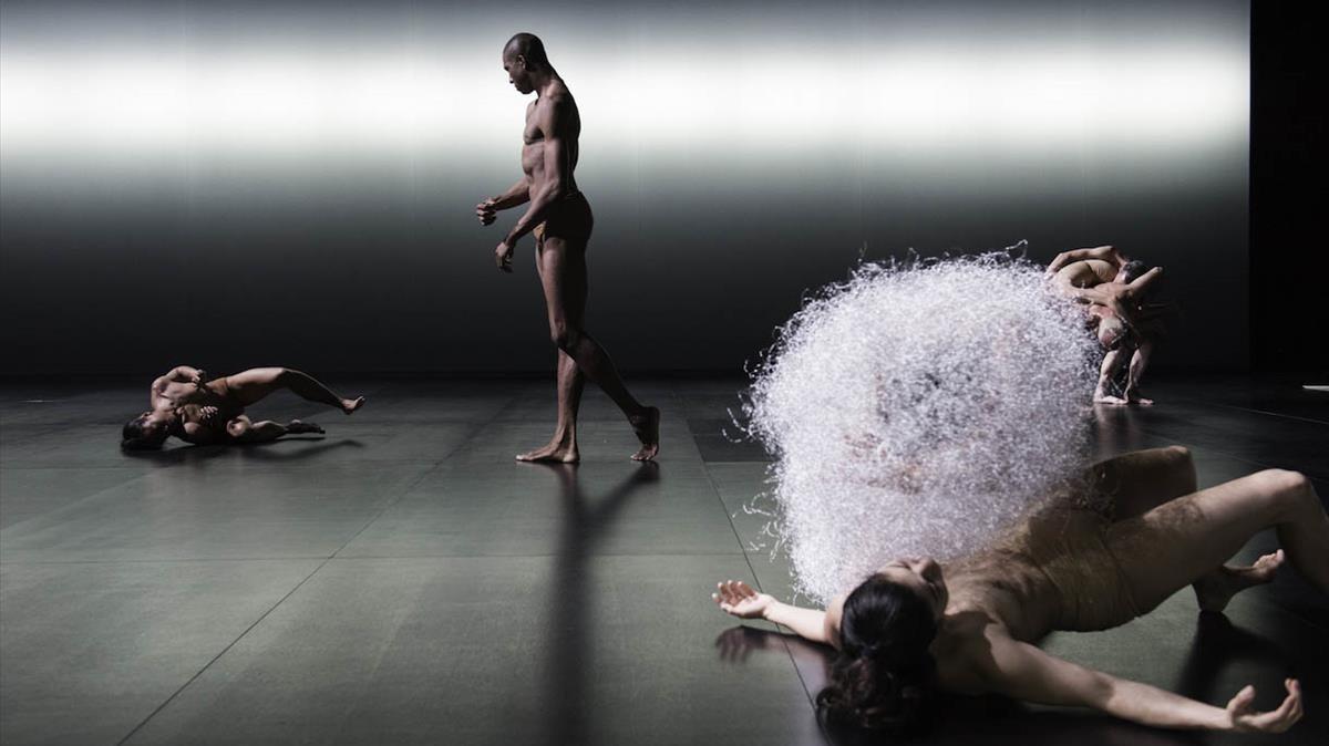 Escena de Kreatur, de última creación de Sasha Waltz.