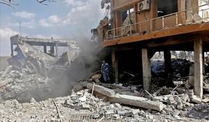 Trump compleix l'expedient amb un atac limitat a Síria
