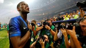 Paul Pogba, tras proclamarse con Francia campeón del mundo en Moscú.