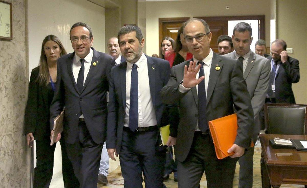 JxCat es debat entre el no i l'abstenció a Sánchez
