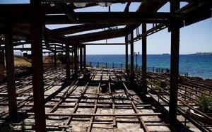 Rabia i frustració a Grècia un any després de l'incendi de Mati
