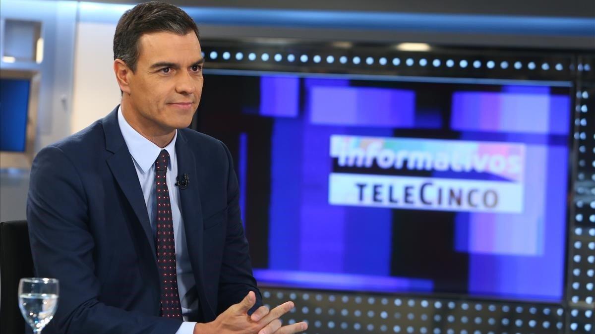 Pedro Sánchez, durante la entrevista en Telecinco, este jueves.