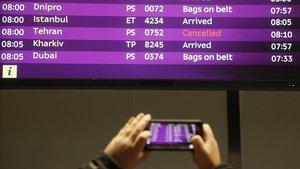 Els EUA i aerolínies de tot el món suspenen els seus vols sobre l'espai aeri de l'Iran i l'Iraq