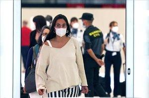 La Comunitat de Madrid no imposa l'ús obligatori de mascareta