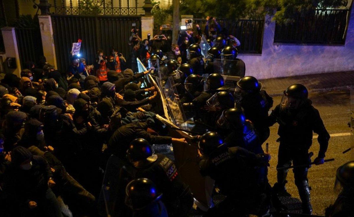 Concentración en defensa de la casa de Buenos Aires.