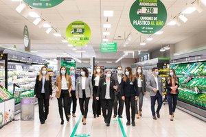 Integrantes del equipo de trabajo que han diseñado la estrategia de retirada de los plásticos en Mercadona.