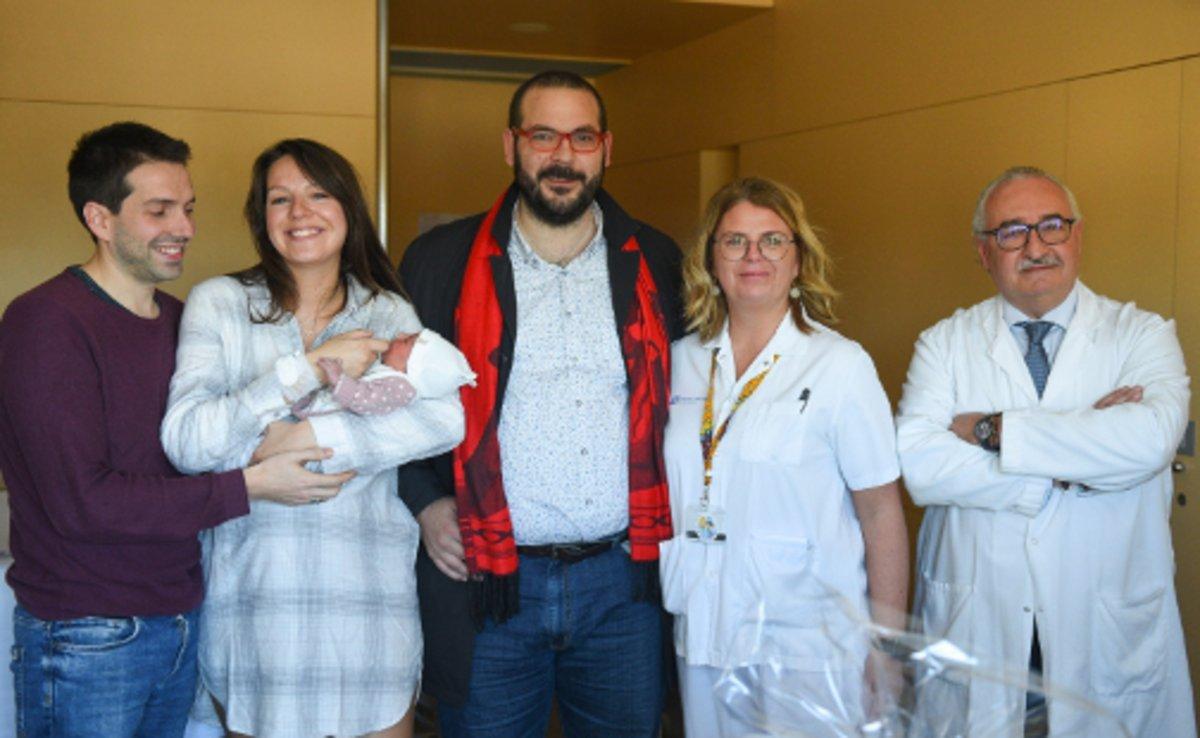 El alcalde de Mataró, David Bote, visita a la familia de Laia.