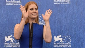 fcasals35345998 actress amy adams poses during a photocall of the movie ar160901170331