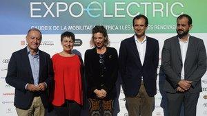 Inauguración Expoelèctric. Antonio Poveda, Rosa Alarcón, Àngels Chacón, Ramón Caus y Xesco Gomar en BCN.
