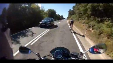 La maniobra que explica cómo adelantar a un ciclista en carretera con comunicación y respeto