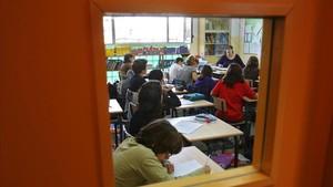 Alumnos en una escuela de LHospitalet.