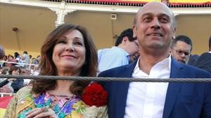 Ana Rosa Quintana y Juan Muñoz.