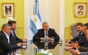 El presidente de Argentina, Alberto Fernández con parte de su gabinete.