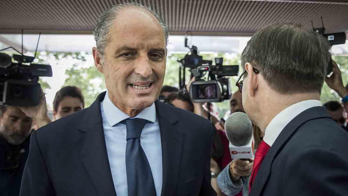 Condena a penas de entre 6 y 9 años de cárcel a la cúpula valenciana del partido.